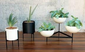 design blumentopf pflanztöpfe für den innen und außenbereich peppen das ambiente auf