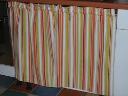 coudre des rideaux de cuisine un rideau pour la cuisine patchworks broderies tricots