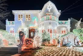 dyker heights brooklyn christmas lights christmas in new york maximalist christmas lights juggling mini