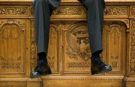 White House Oval Office Desk File Resolute Desk As The President Was Talking With Two Aides In