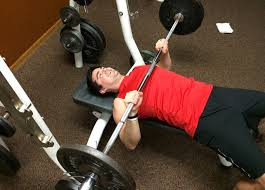 Bench Press Wide Or Narrow Grip Train This Not That The Upper Body Edition