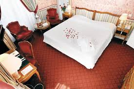 castel femme de chambre le castel louise à la baule 44 wonderbox