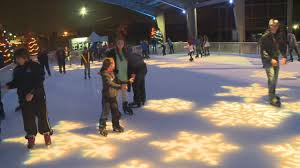 bowling green ice rink opens downtown