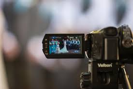 wedding videography 5 secrets your wedding videographer wants you to bridalguide