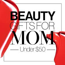 Best Gift For Mom by Beauty Gift Ideas The Best Holiday Beauty Gifts For Moms Glamour