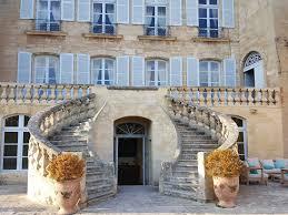 chambre d hote d exception des chambres d hôtes d exception au château de la barben gourmicom