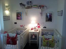chambre pour jumeaux chambre mixte bb chambre bb jumeaux mixte blanche beige accents