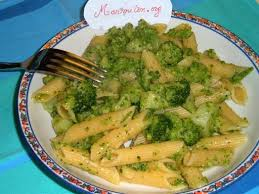 cuisiner des pates pâtes aux brocolis façon nadinette les 3 versions recette le
