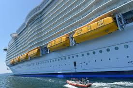 harmony of the seas one dead and four injured after incident on