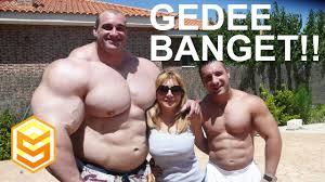5 manusia dengan badan paling besar di dunia itu otot semua gede