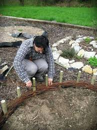 Garden Edge Ideas Diy Garden Edge Ideas Woven Willow Garden Bed Diy Yard Edging