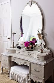 Antique Vanity Table Best 25 Painted Vanity Ideas Only On Pinterest Vintage Vanity