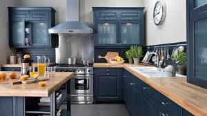 cuisine noir mat et bois cuisine noir et bois ides de design de cuisine moderne with