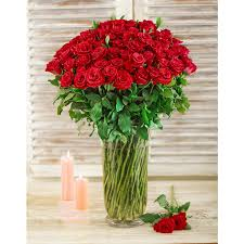 Arranging Roses In Vase Red Roses In A Glass Vase South Africa Inmotion Flowers