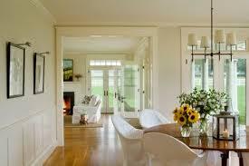 the wall paint is benjamin moore u0027bone u0027 in eggshell and the trim