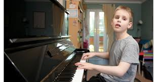 Blind Boy Plays Piano Watch Heart Warming Video Of Blind Scots Schoolboy Playing The