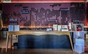 bureau d bureau d accueil caisse picture of viniportugal lisbon wines