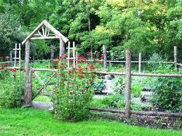 Fencing Ideas For Small Gardens Garden Fencing Ideas Easy Garden Fence Ideas You Need To Try
