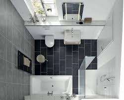 kleine badezimmer lã sungen die besten 25 schmales badezimmer ideen auf kleines
