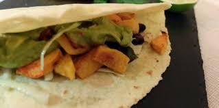 cuisiner courge butternut tacos à la courge butternut rôtie recette sur cuisine actuelle