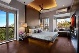 plafond chambre plafond moderne dans la chambre à coucher et le salon