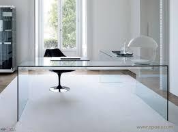 bureau en verre avec retour par gallotti epoxia mobilier