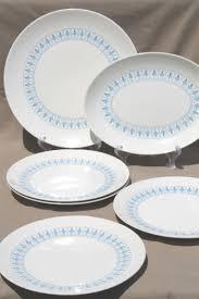 homer laughlin vintage richelieu fleur de lis pattern dinner plates vintage homer