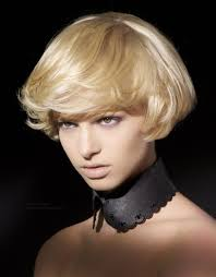 short haircut with ear showing ear lobe length short haircut with a bit of layering