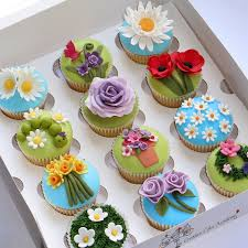 the creative cake academy cake decoration classes book here