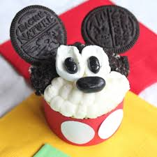 mickey mouse cupcakes mickey mouse clubhouse cupcakes itsy bitsy foodies