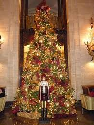 Decorative Christmas Tree Gate by Ibn Battuta Gate Hotel Dubai O U0027 Christmas Tree Pinterest