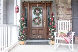 Christmas Decoration For Front Door by Front Porch Decorating Ideas You U0027ll Want To Copy For Christmas