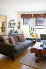 Decorating Ideas For Apartment Living Rooms We U0027re Crushing On The Primitive Country Decor In This City