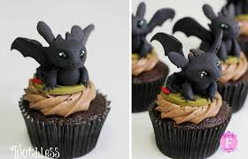 toothless cake topper dreamworks animator creates magical inspired cupcakes