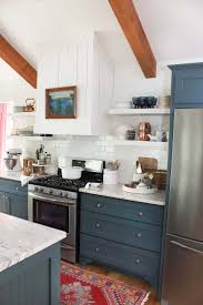 Kitchens With Green Cabinets by Best 25 Kitchen Cabinet Colors Ideas Only On Pinterest Kitchen