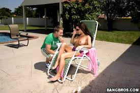 Backyard Milf Land Com Porno Mature Busty Milf On Her Backyard Getting A Tan
