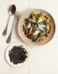 cuisiner les maquereaux maquereaux marinés au thé fumé pour 4 personnes recettes à table