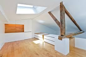 design interieur peinture blanche murs plafond poutres apparentes