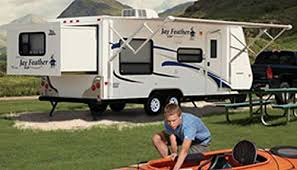 Travel Trailers With King Bed Slide Out Roaming Times Rv News And Overviews