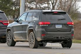 jeep grand cherokee rear bumper refreshed 2017 jeep grand cherokee spied photo u0026 image gallery