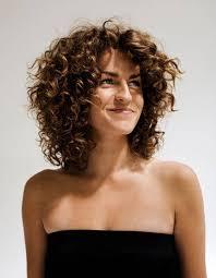 idã e coupe de cheveux femme awesome coupe courte pour cheveux frises femme 4 idée de coupe