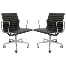 pair herman miller ea335 eames aluminum group management chairs