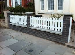 Front Garden Fence Ideas Brick Picket Combo The Posts Are A Narrow For My Taste