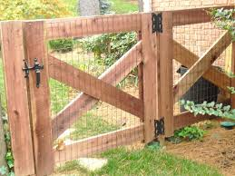 Different Types Of Fencing For Gardens - best 25 wire fence ideas on pinterest fencing hog wire fence
