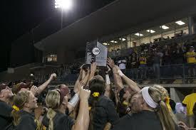 gophers softball win second big ten tournament title
