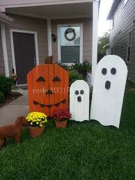 22 superb halloween decorations using pallet wood wooden pumpkins
