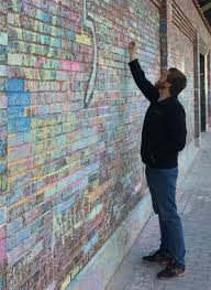 wrigley field tribute wall a fan pilgrimage chronicle media illinois 111616 cubs walls color 3