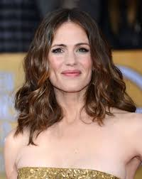 hairstyles that compliment a long face 16 flattering haircuts for long face shapes