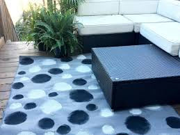 Nautical Outdoor Rugs by How To Paint Black And White Dots On A Rug Hgtv