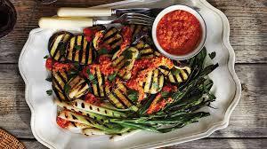 comment cuisiner les poivrons rouges aubergines et oignons verts grillés sauce au poivron et aux